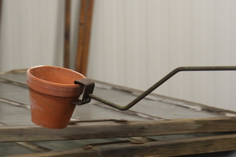 Flowerpot lifter in the Gardening Museum - Gaissmayer Nursery